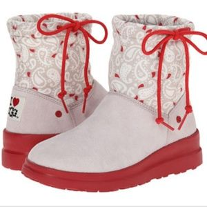 I♡UGG boots